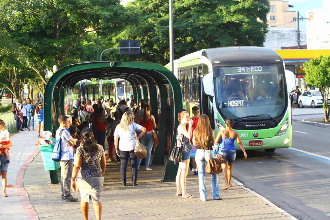 Greve Geral ameaça parar ônibus, universidades e fábricas na região