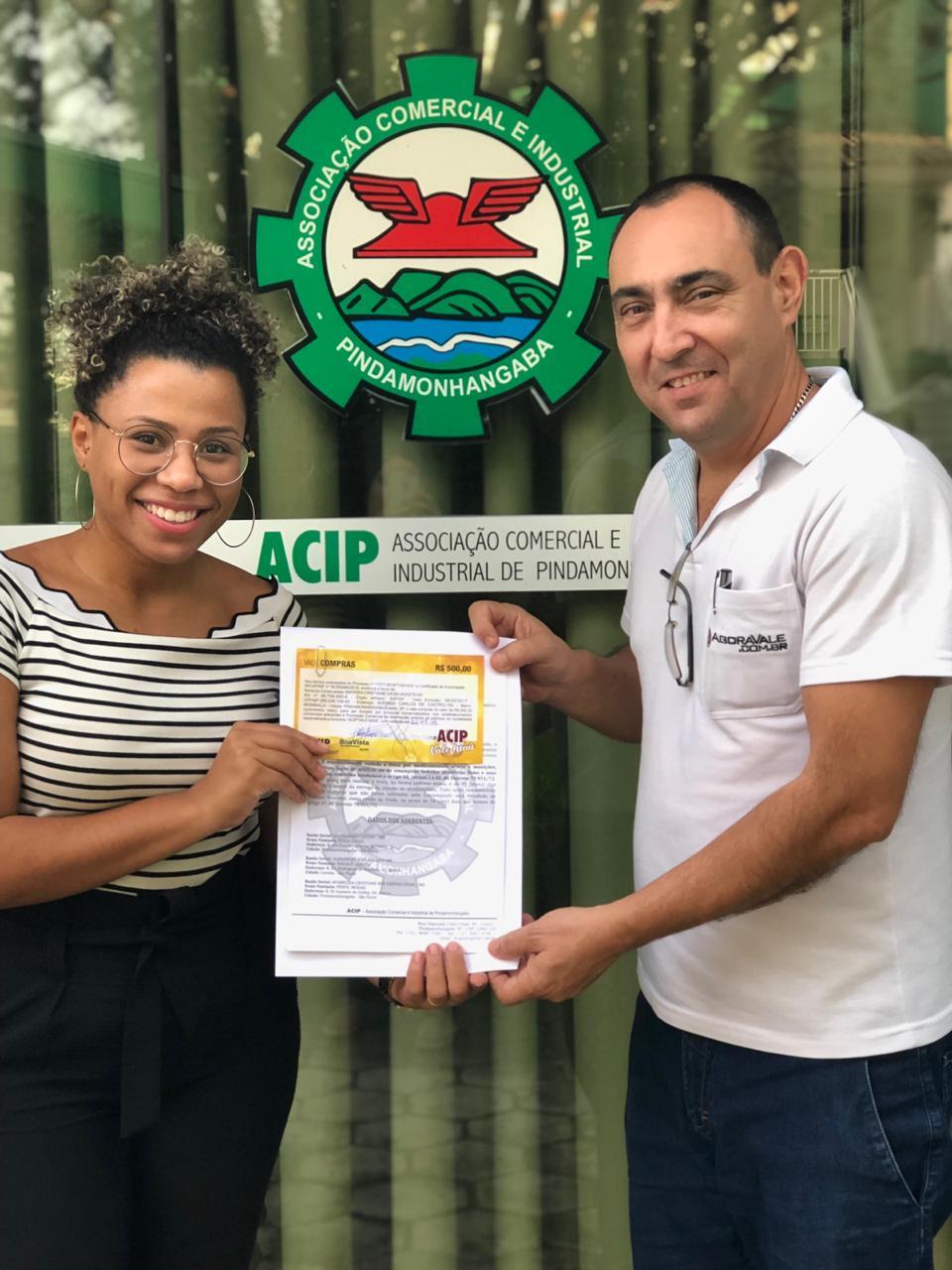 Ganhadoras da promoção ACIP Vale Mais recebem vale-compras