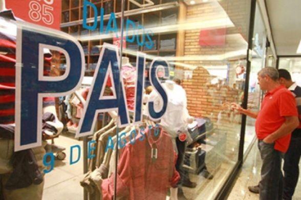 8 em cada 10 consumidores vão dar roupa de presente no Dia dos Pais