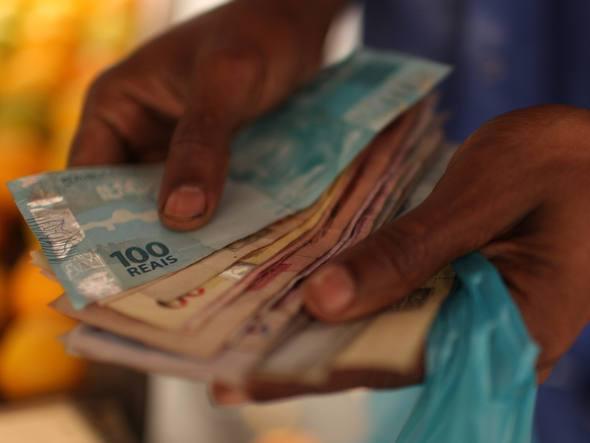 Ministério recua e descarta congelamento do salário mínimo